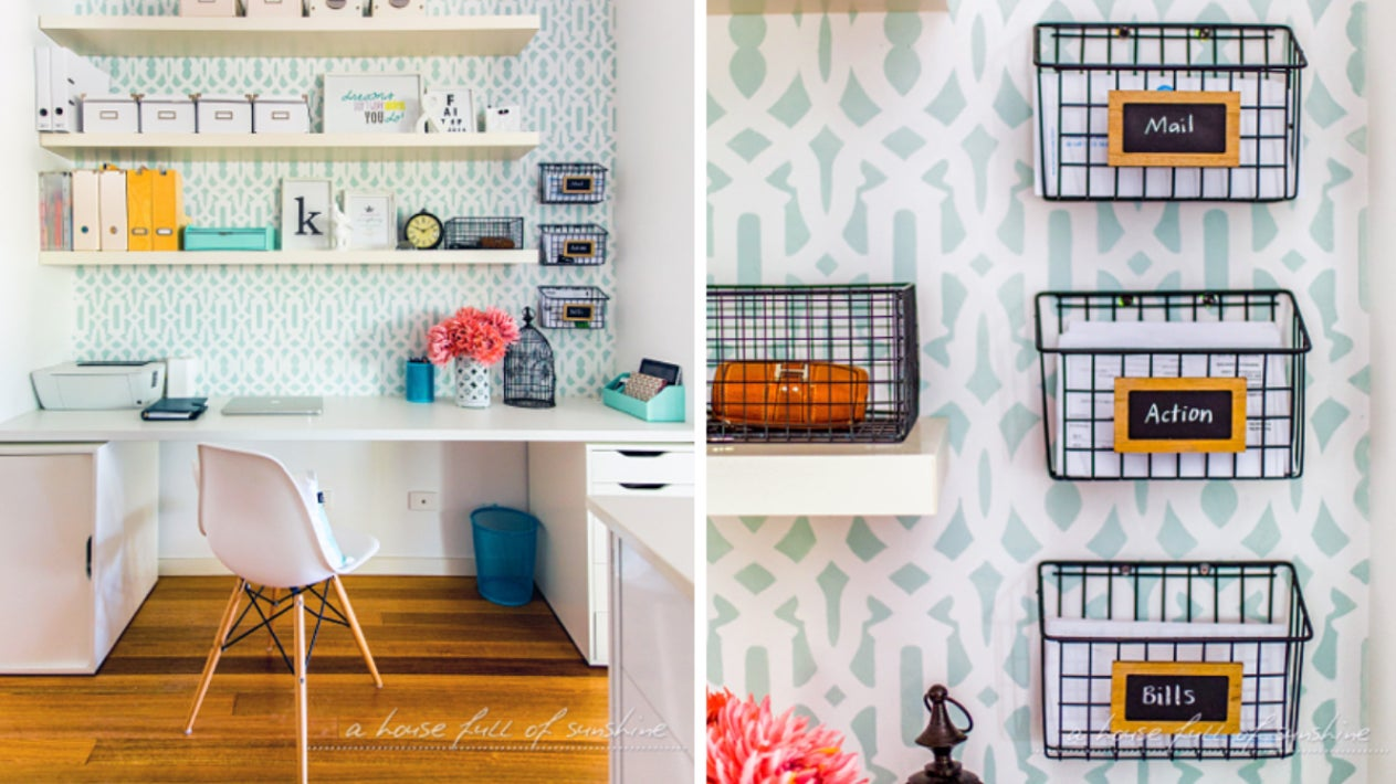 DIY accent in home office with floating shelves